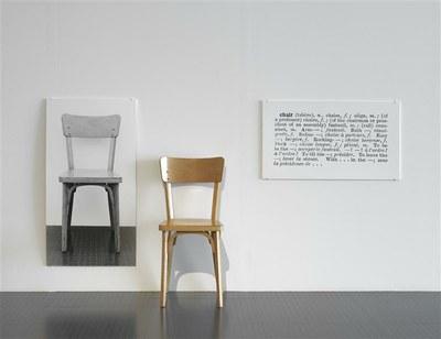 Joseph KOSUTH, One and Three Chairs / Photo (C) Centre Pompidou, MNAM-CCI, Dist. RMN-Grand Palais / Philippe Migeat